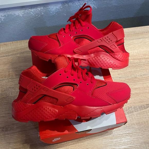Nike Shoes | Nike Huarache Run Gs